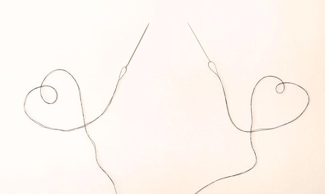 2つの針と糸